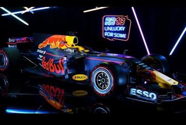 F1'de Red Bull ve Haas ile son araçlar da görücüye çıktı