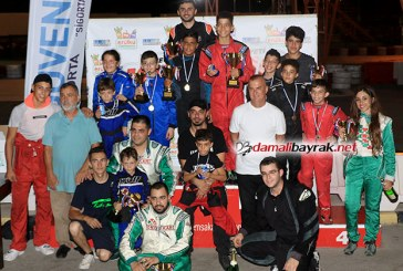 Kartingciler gece yarıştı