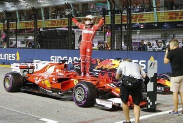 Singapur'da ilk cebi Vettel aldı, Mercedes kayıp