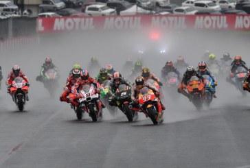 Yağmurlu Japonya GP'ini Dovizioso kazandı